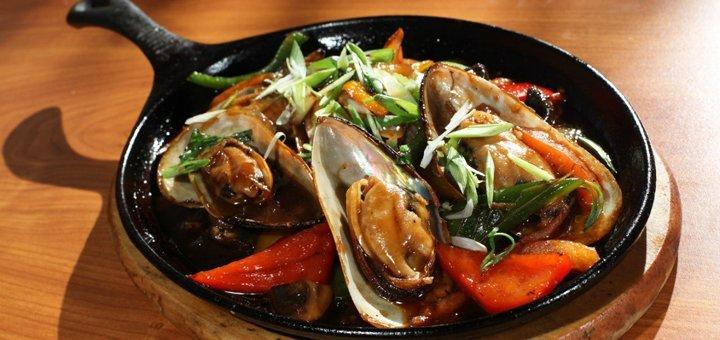 Скидка 33% на все меню кухни, бара и кальян для двоих или четверых в ресторане «Siam»