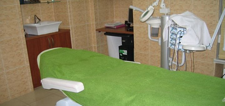До 3 процедур аппаратной чистки лица + микродермабразия лица в салоне красоты «Амира»