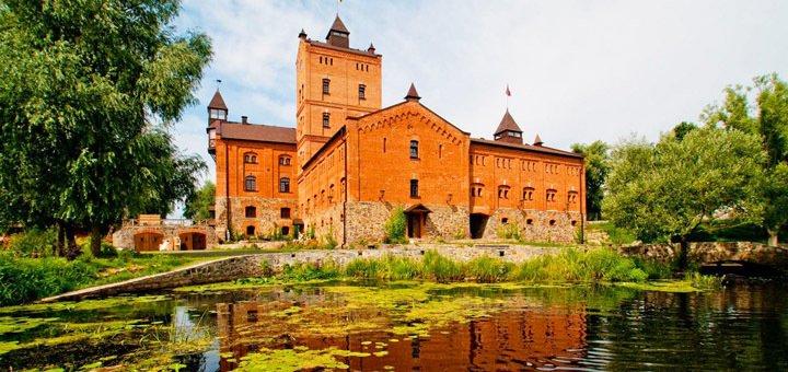 Экскурсионный автобусный тур «Замок Радомысль + Коростень» от туристической компании «Дискавери Тур»