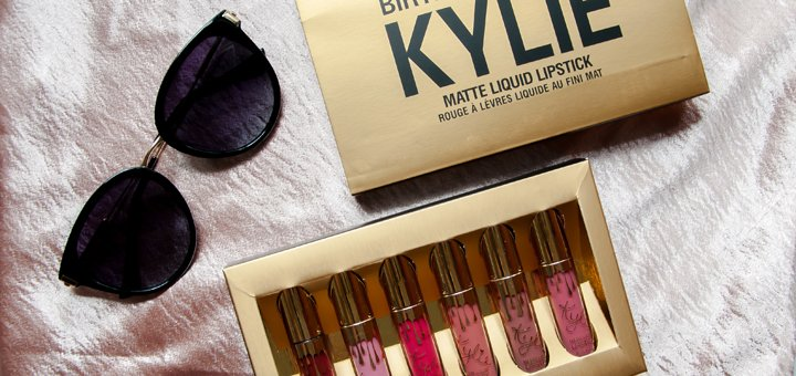 Скидка 50% на наборы «Kylie Birthday Edition» в магазине «Kylie Cosmetics»