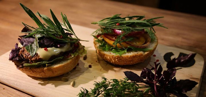 Знижка 50% на все меню кухні в ресторані «Gastronomy Coffee & Burger»
