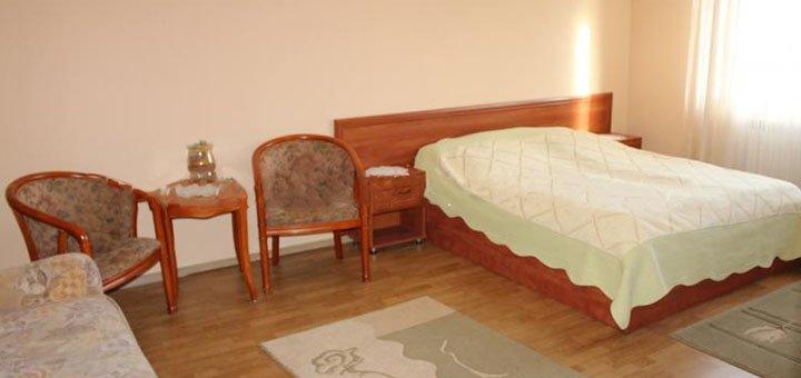 От 3 дней отдыха с завтраками в отеле «Золотой Лимон» в Межгорье недалеко от озера Синевир