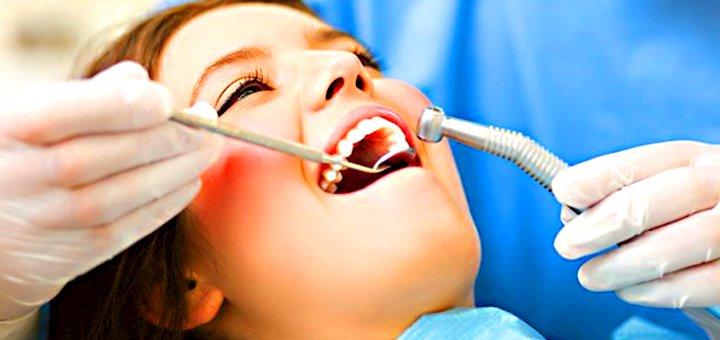 Ультразвуковая чистка зубов в стоматологическом кабинете Юлии Нетиковой