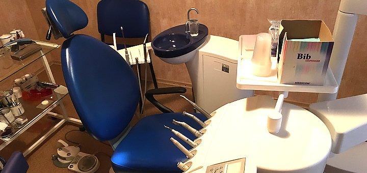 Ультразвуковая чистка зубов с Air-Flow и глубоким фторированием в центре «Стоматология»