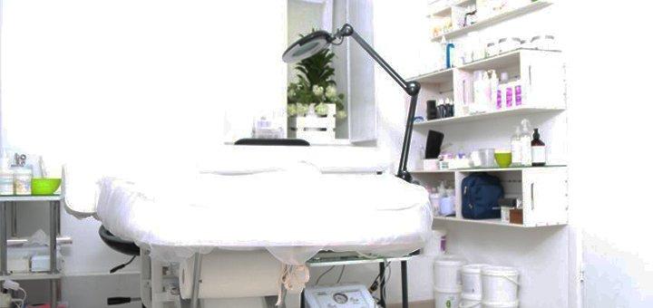 Лимфодренажный массаж лица и фитиновый пилинг в косметологии «Room Joy»