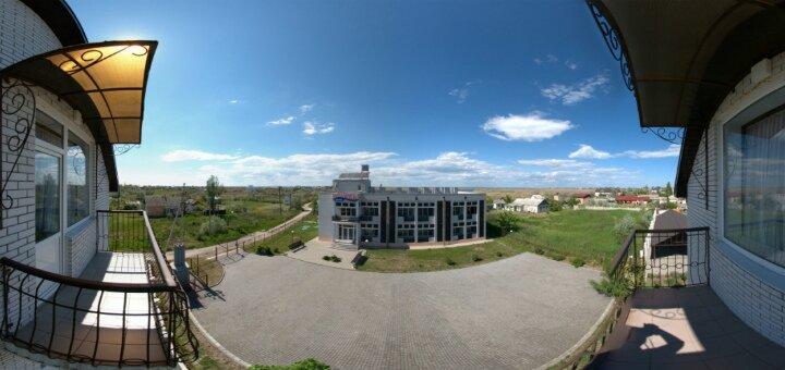 От 3 дней отдыха для двоих или четверых в отеле «Flora» на Бердянской косе в мае и июне