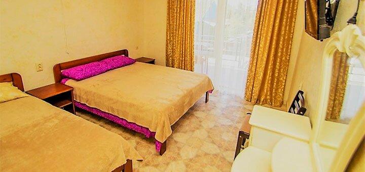 От 3 дней отдыха в номерах с удобствами в отеле «Ирина» в Затоке на Черном море