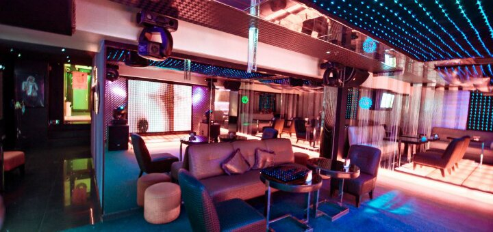 Трансфер, вход, напиток и приватный танец в mens club «CHICKY&PICKY»