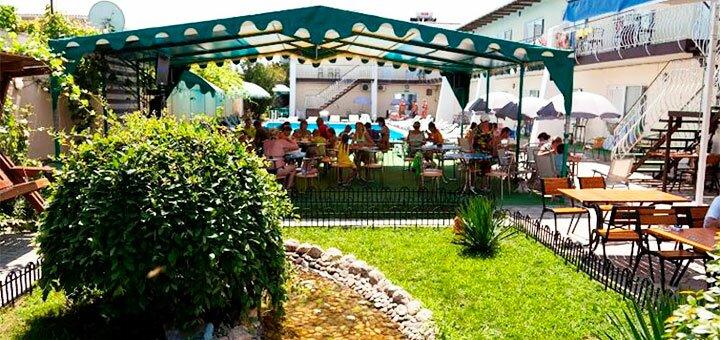 От 2 дней отдыха с июня по конец августа в пансионате с бассейном «Fortecia» в Железном Порту
