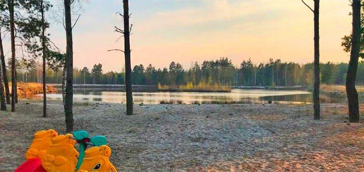 Аренда беседки с мангалом для компании в лесу возле озера в «KVADRO-DRIVE гриль-парк»