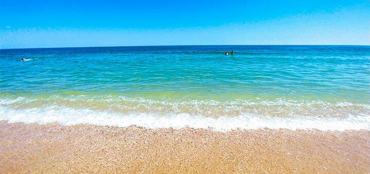 От 4 дней отдыха для семьи на первой линии от берега моря на базе отдыха «Регина» в Затоке