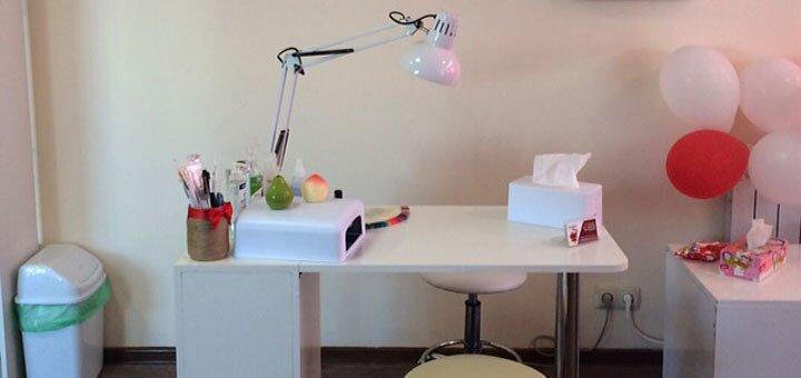 Маникюр, педикюр с покрытием гель-лаком в салон-шоуруме «Beauty bar Grenadine»