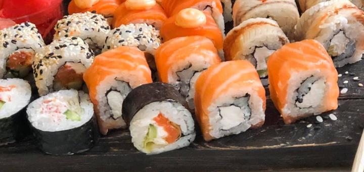Скидка 50% на суши-сет «Якудза» от сети суши-магазинов «Суши Мастер»