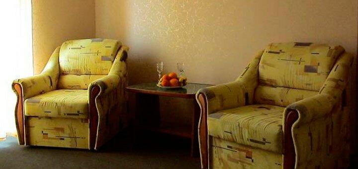 От 3 дней отдыха в сентябре для компании до четверых в отеле «Перекресток» в Железном Порту