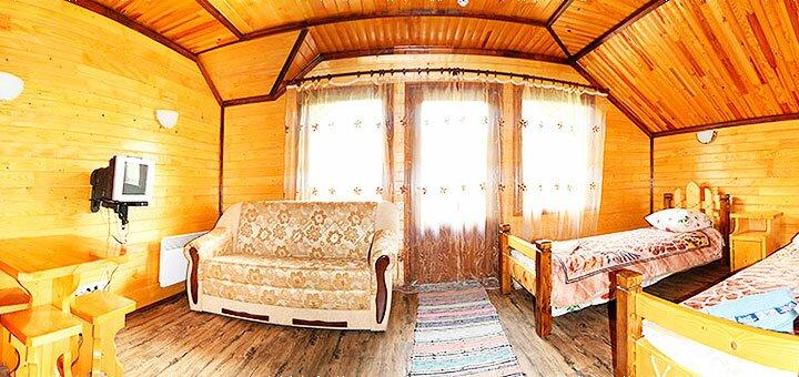 От 4 дней отдыха с питанием, чаном и сауной в гостином дворе «Буковець» в Косове