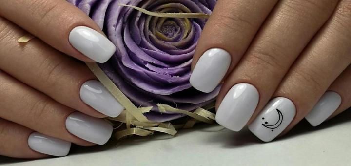 Маникюр или педикюр с покрытием или парафинотерапию в «Nails Studio by Svetlana Ivanova»