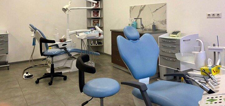 Скидка до 51% на установку керамических виниров «E-max» или композитных виниров в клинике «Diva Dent»