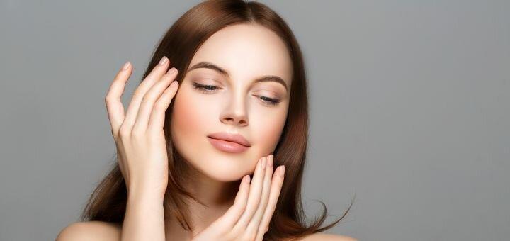 Комплексная чистка лица с массажем, пилингом и маской в салоне красоты «Жаклин»