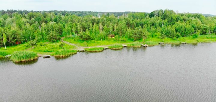 Рыбалка с понтона с арендой лодки, беседки и мангала на озере Глория в «Gloriya Fishing»