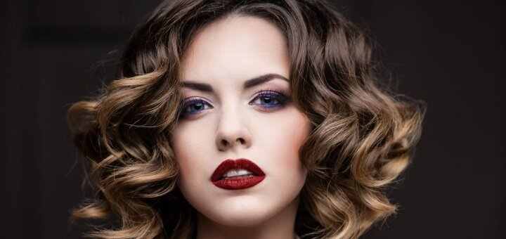 Женская укладка волос в салоне красоты «E'len Andre'»
