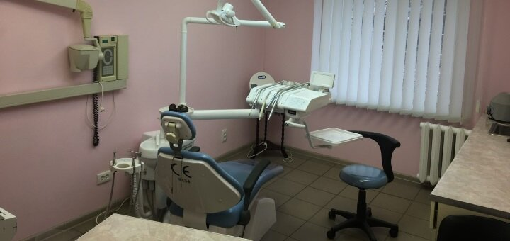Ультразвуковая чистка зубов с фторированием в стоматологической клинике «Элит»