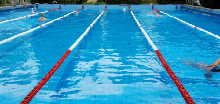 До 8 посещений открытого бассейна с подогревом в спорткомлексе «Відрадний»