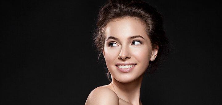 До 3 сеансов микротоковой терапии лица, шеи или декольте в салоне красоты «Clips Cosmetology»